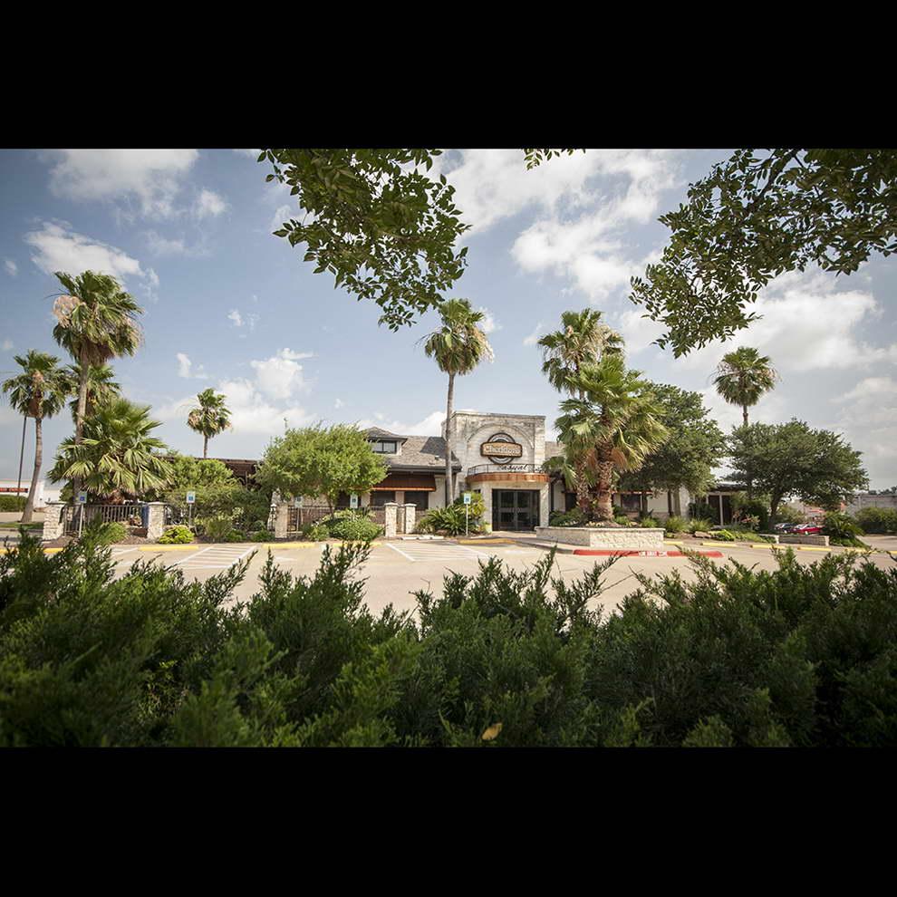 verdant-design-build-landscape-cheedars-college-station